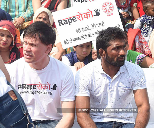 Celebs attend Rape Roko campaign