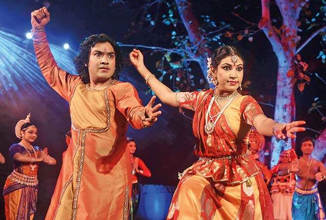 Kathak-dance-form-performed-by-Sangita-Chatterjee-and-Rahul-Pawar