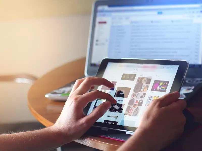 AppleiPad with Face ID