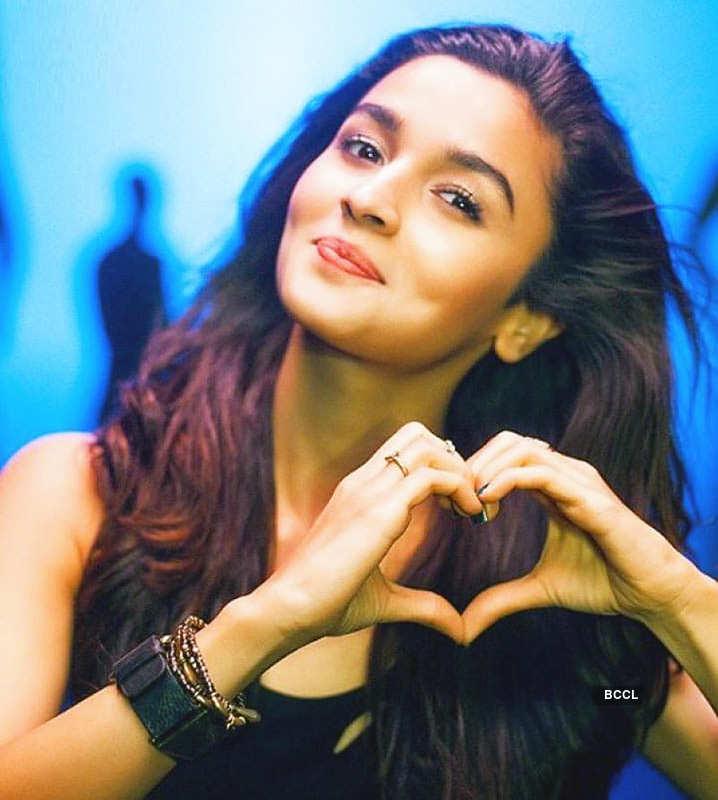 Is birthday girl Alia Bhatt dating Ranbir Kapoor? Here are the details...