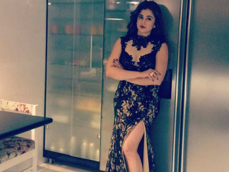 Neha Pendse Pic in Sexy dress