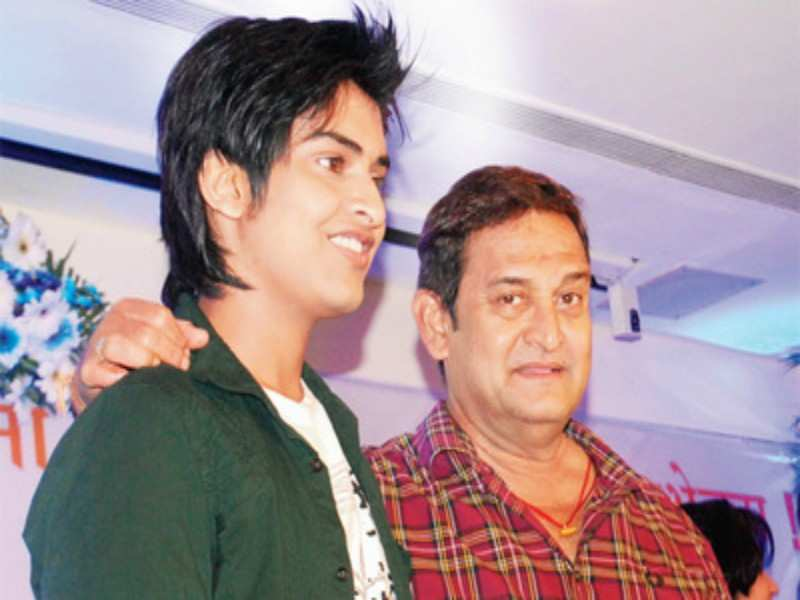 mahesh manjarekar and son