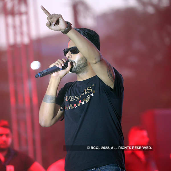 Mankirt Aulakh performs at Hans Raj College