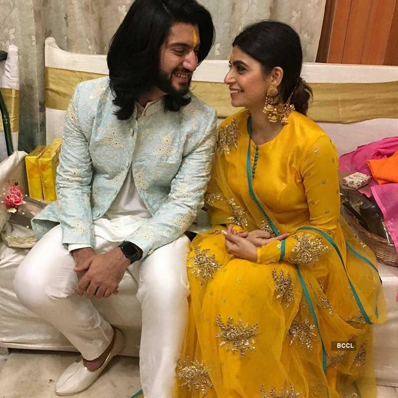 'Ishqbaaz' actor Kunal Jaisingh gets engaged to girlfriend Bharati Kumar