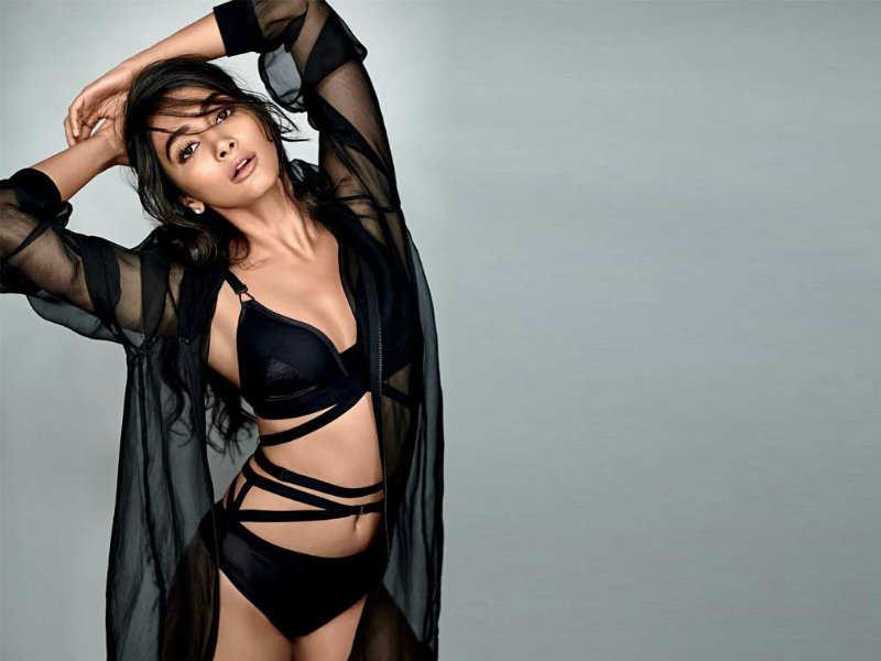 Pooja Hegde Sexy Images xxx