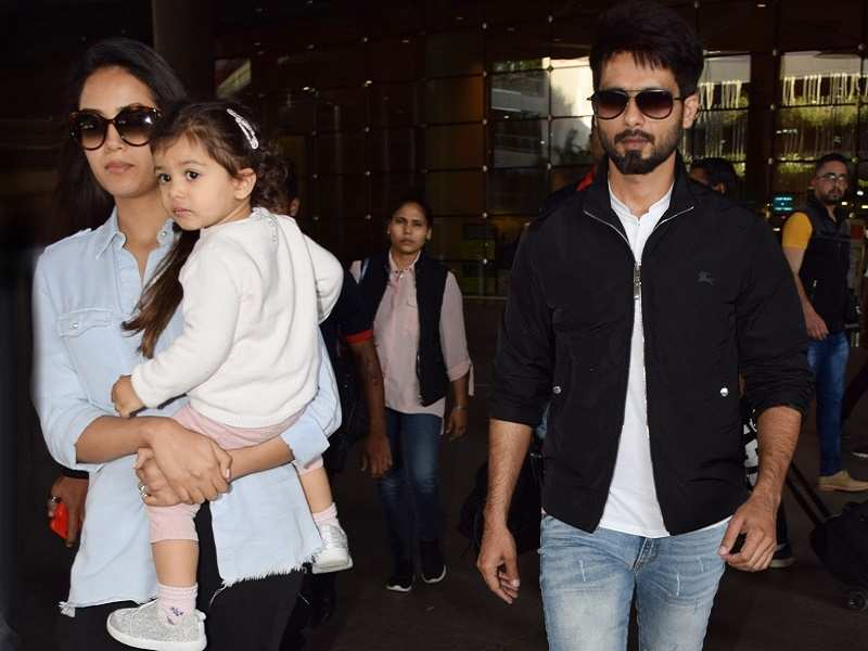 Photo Shahid Kapoor Returns From Family Holiday With Wife Mira And