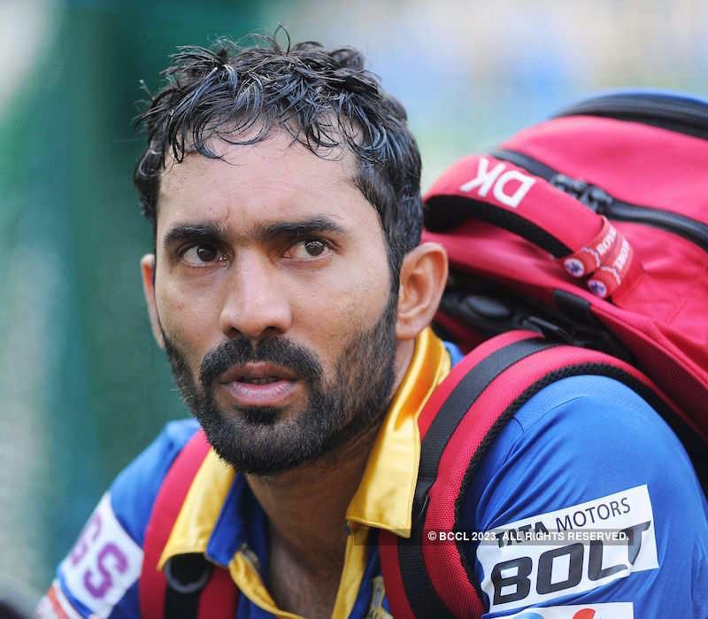 'I've always looked up to Dhoni' - Dinesh Karthik