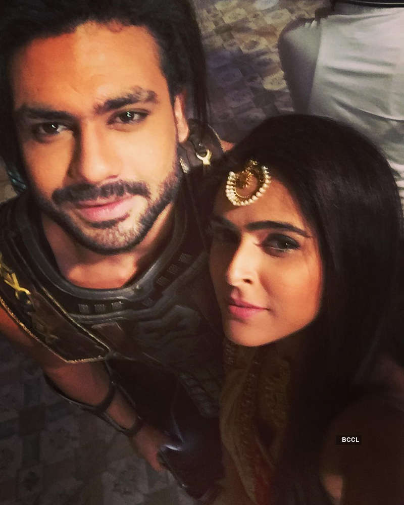 Is Madhurima Tuli dating her 'Chandrakanta' co-star Vishal Aditya Singh? Here's the details…