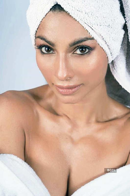 Tanishaa Mukerji's photoshoot