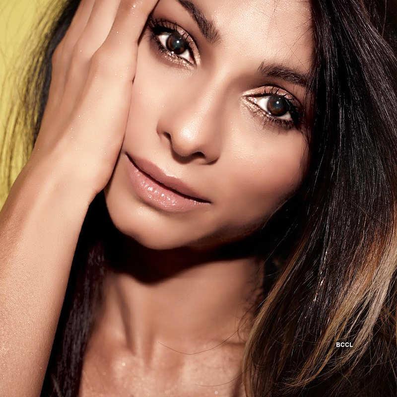 Tanishaa Mukerji's sultry photoshoot