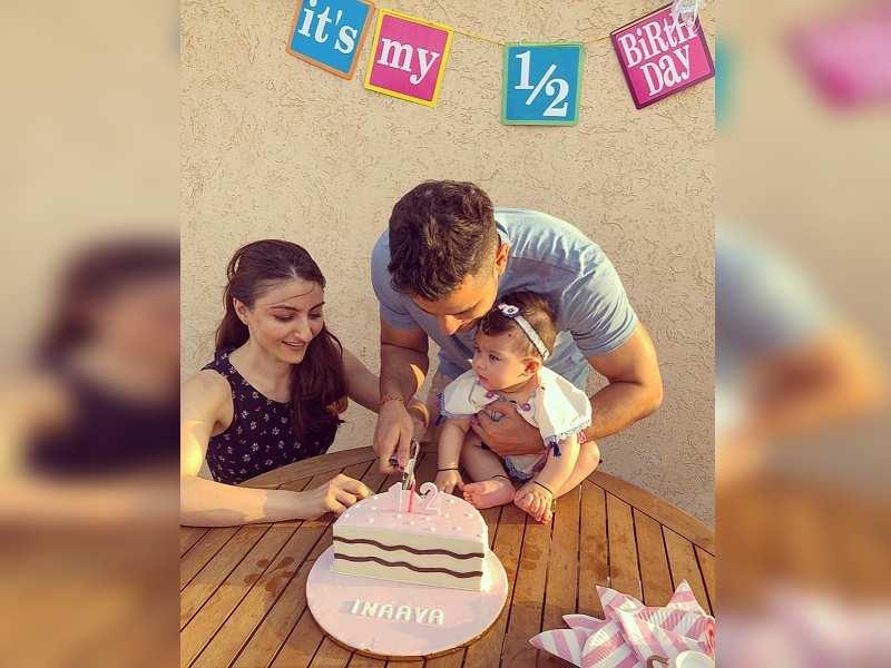Soha Ali Khan And Kunal Kemmus Little Munchkin Inaaya Naumi Turns 6 Months Old