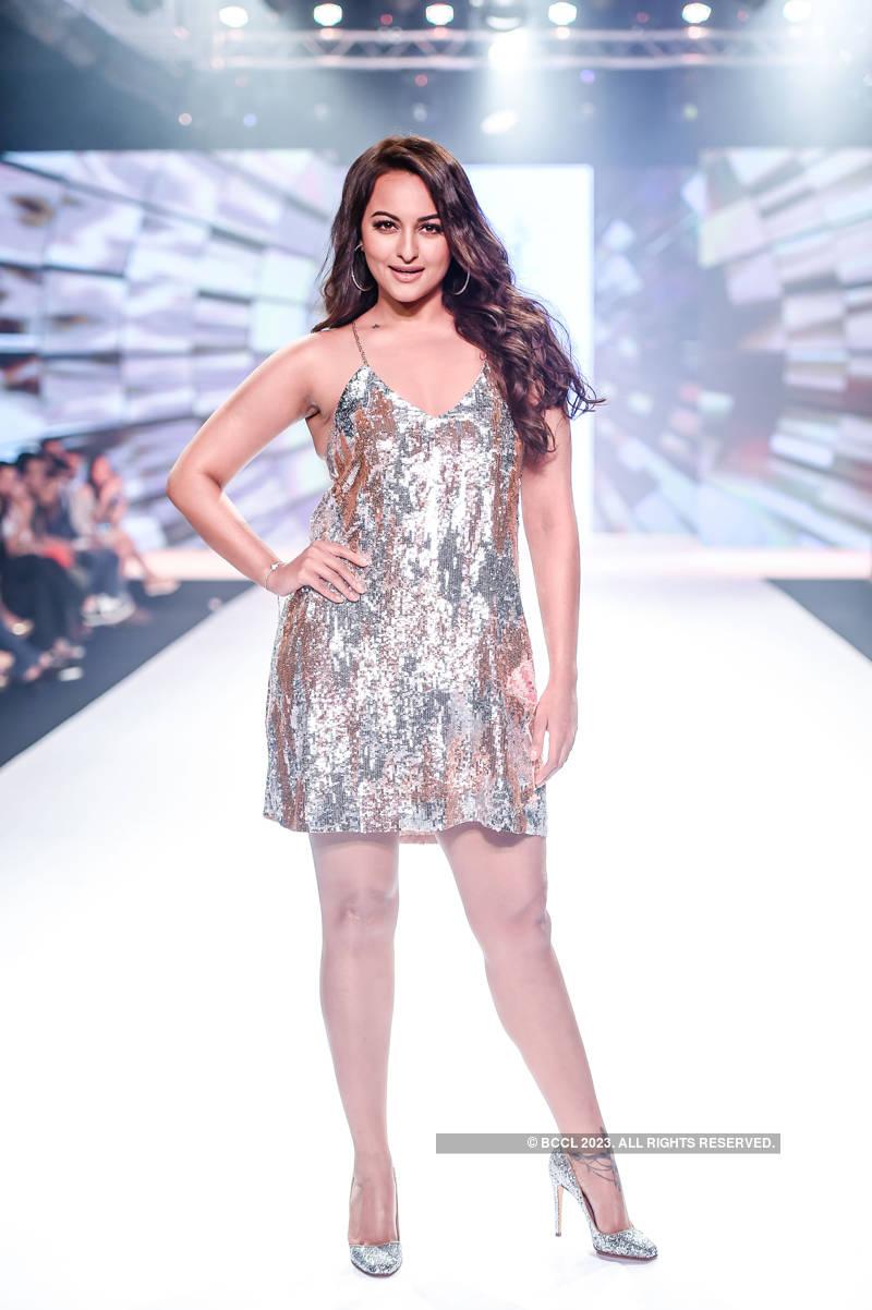 Bombay Times Fashion Week 2018: Nandita Mahtani - Day 1