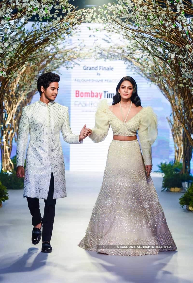 Bombay Times Fashion Week 2018:  Falguni Shane Peacock - Day 3