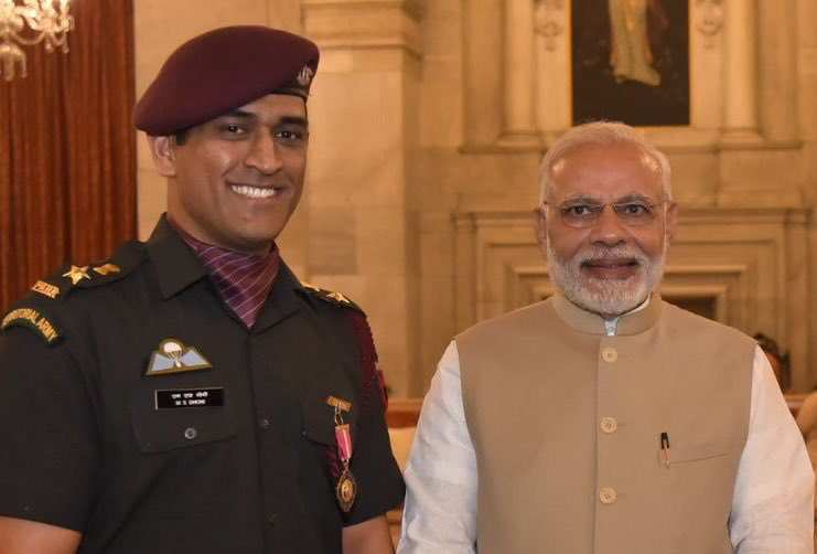 Social Humour Dhoni Meets Modi Funny Captions Follow