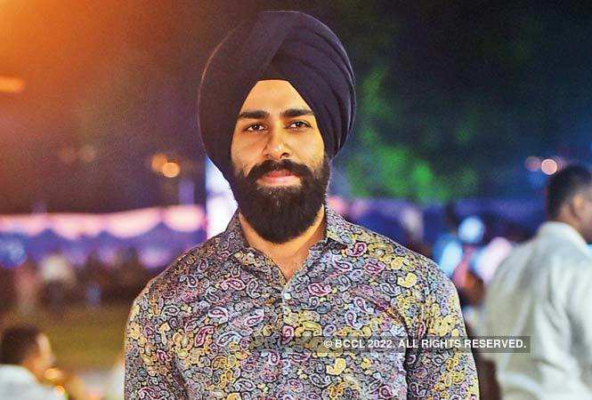 RAN_9565-HARJOT-SINGH-AN-AEPTA-MEMBER-WAS-AWARDED-AT-THE-EVENT