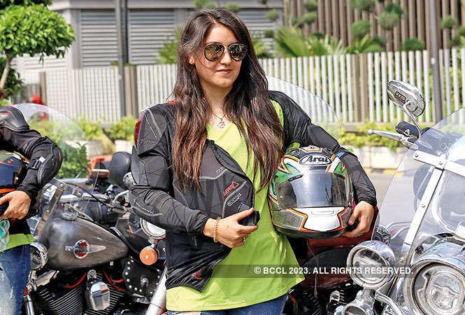 P1-NT-Women-Bike-Rider-IMG_5807