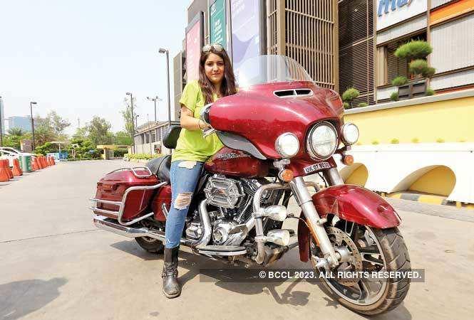 P1-NT-Women-Bike-Rider-IMG_5529