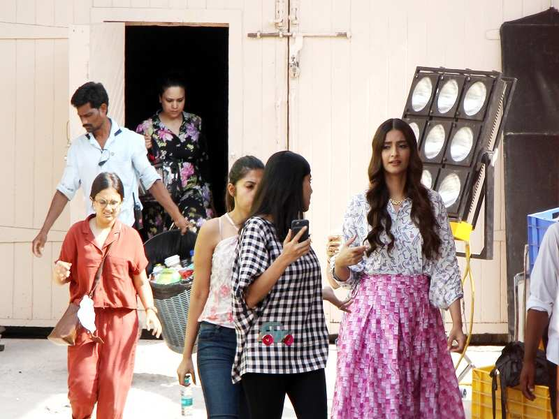 Sonam Kapoor keeping busy with 'Veere Di Wedding' amidst wedding rumours