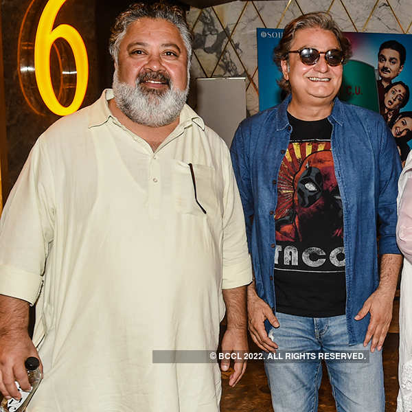Khajoor Pe Atke: Trailer launch