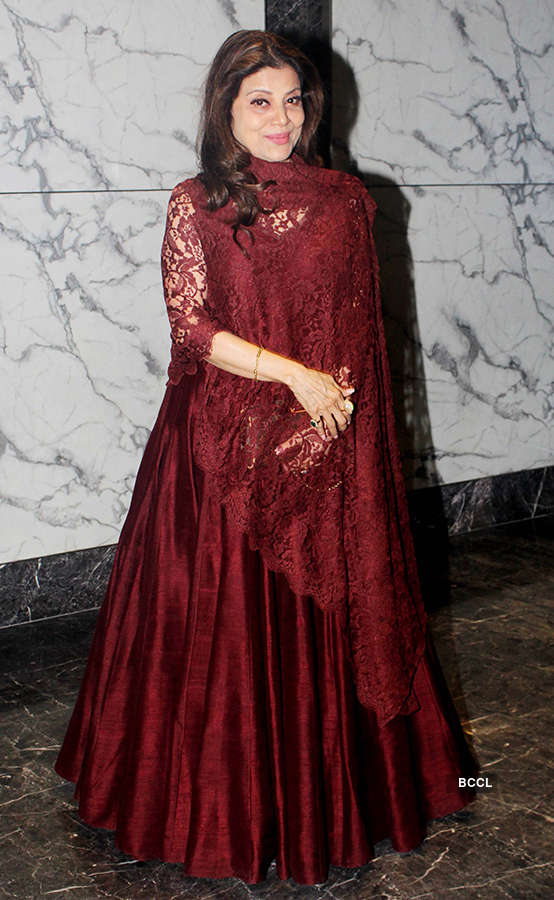 Poonam Dhillon's starry b'day party