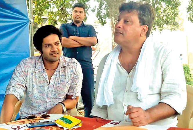 Ali Fazal (Left) and Tigmanshu Dhulia at Ravindralaya in Charbagh (BCCL/ Farhan Ahmad Siddiqui)