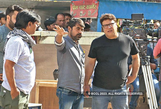 Tigmanshu Dhulia shooting 'Milan Talkies' at a cinema hall in Golaganj, Lucknow (BCCL/ Farhan Ahmad Siddiqui)