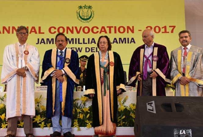 1--Union-Minister-Dr-Harsh-Vardhan-flanked-by-JMI-Chancellor-Dr-Najma-A-Heptulla-and-Vice-Chancellor-Prof-Talat-Ahmad-at-university's-annual-convocation-today