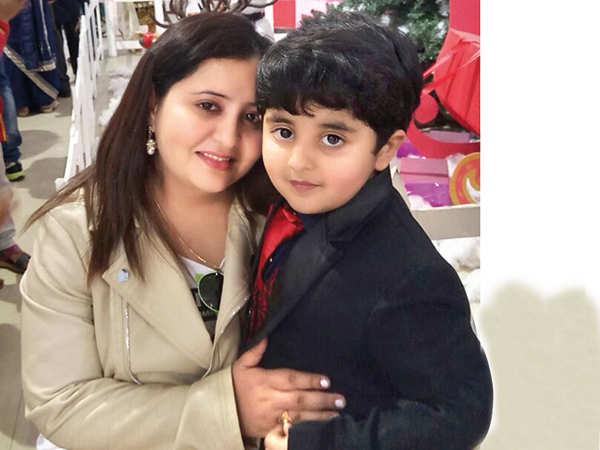 Nirnay Samadhiya with his mother Deepali Samadhiya