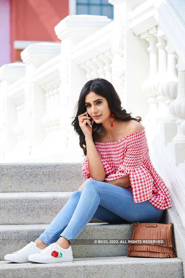 Alankrita Sahai flaunts her trendy side in her recent photoshoot