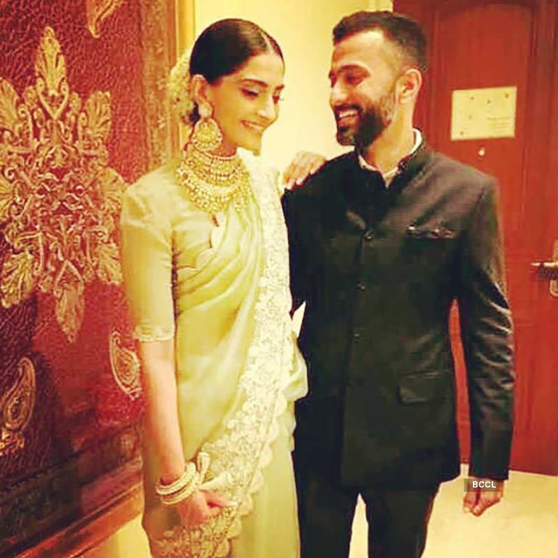 Sonam Kapoor's mansion lights up, countdown begins for her grand wedding, see pictures