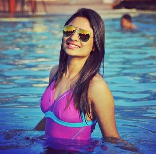 Naagini's Deepika Das is a hottie off screen