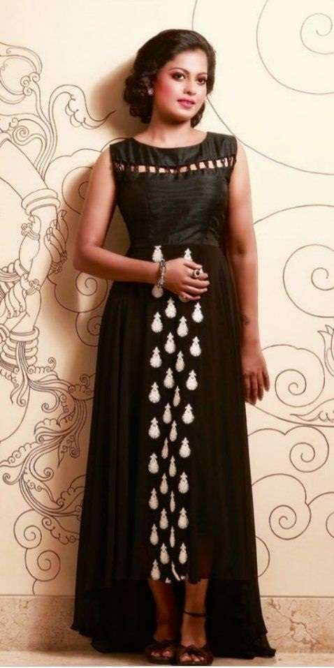 Anusree paints a pretty picture in black