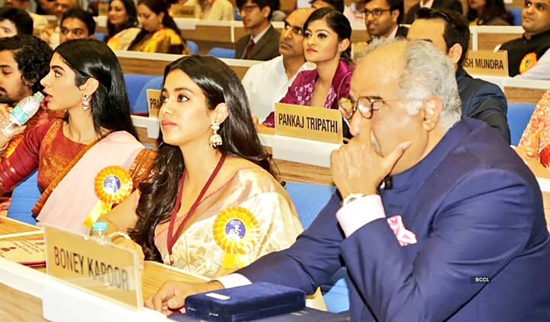 Janhvi consoles teary-eyed Boney Kapoor as Sridevi gets honoured at National Film Awards, see heartbreaking pics