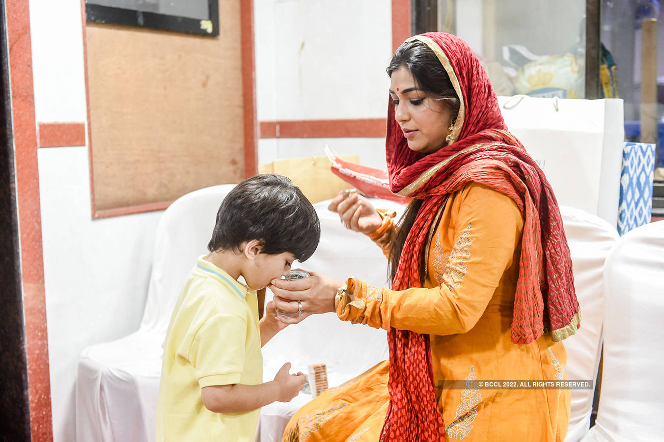 Rajesh Khattar and Vandana Sajnani Khattar's 10th wedding anniversary