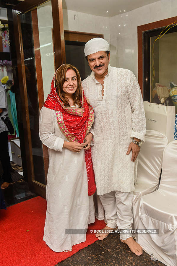 Rajesh Khattar and Vandana Sajnani Khattar's 10th wedding anniversary