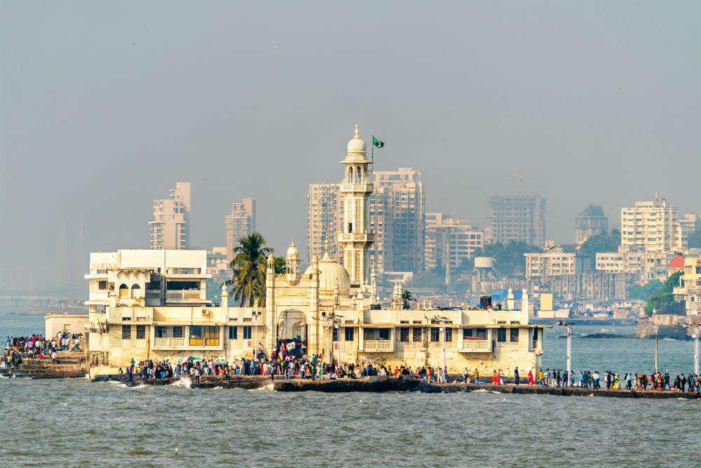हाजी अली दरगाह, Haji Ali Dargah one of the tourist places in mumbai
