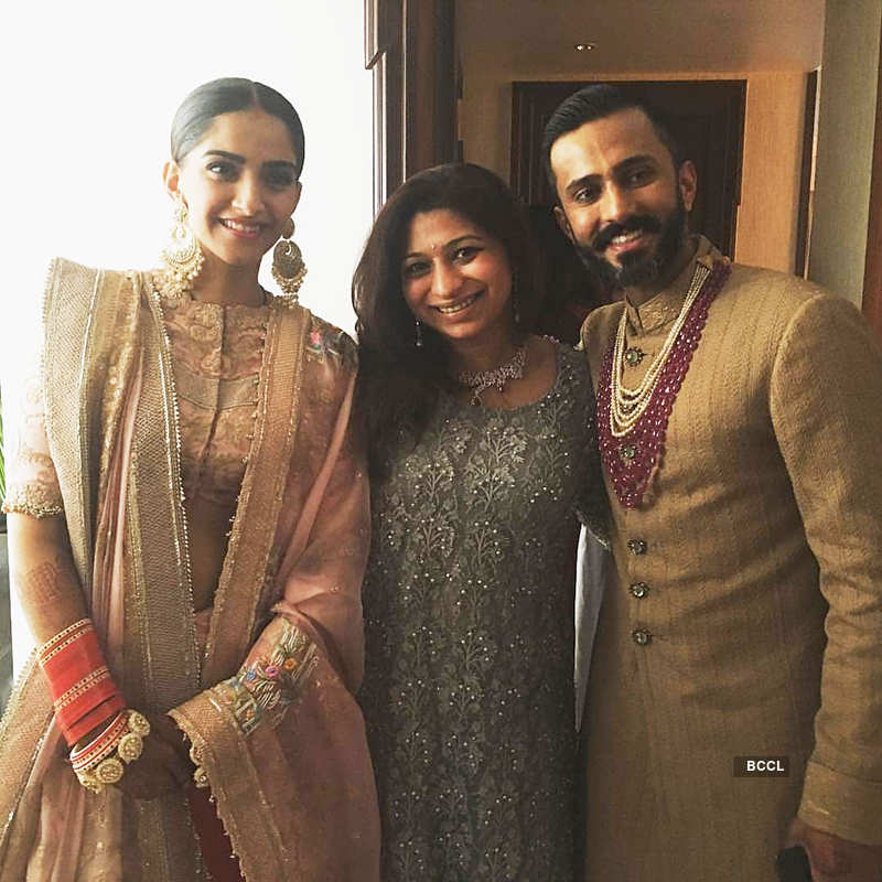 When Sonam Kapoor enjoyed a boat ride with hubby Anand Ahuja