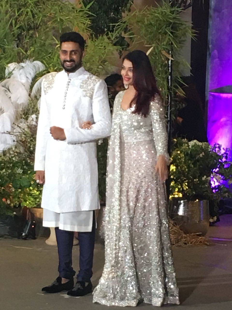 abhishek and aishwarya rai bachchan at Sonam Kapoor-Anand Ahuja reception