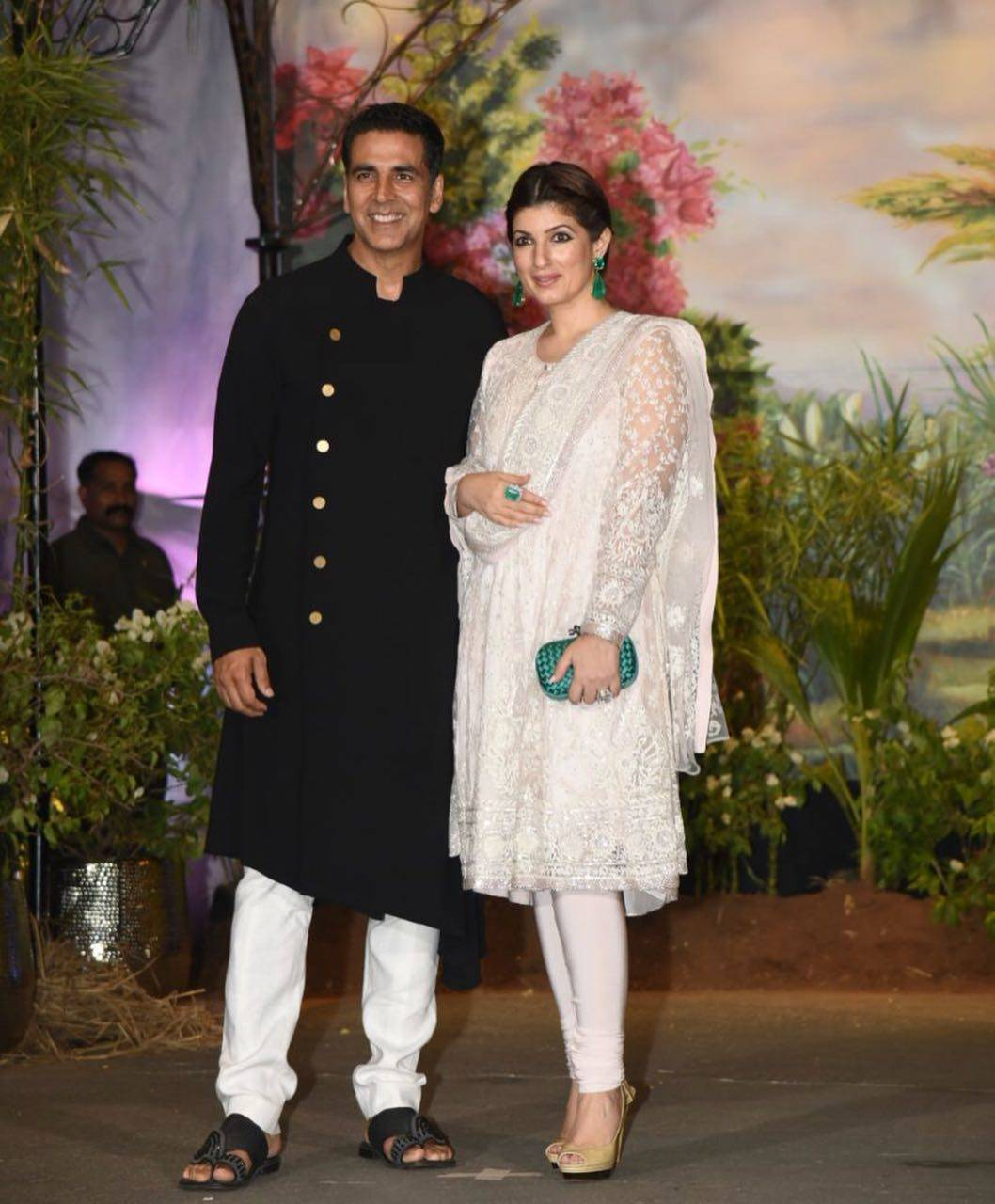 akshay kumar and twinkle khanna at Sonam Kapoor-Anand Ahuja reception