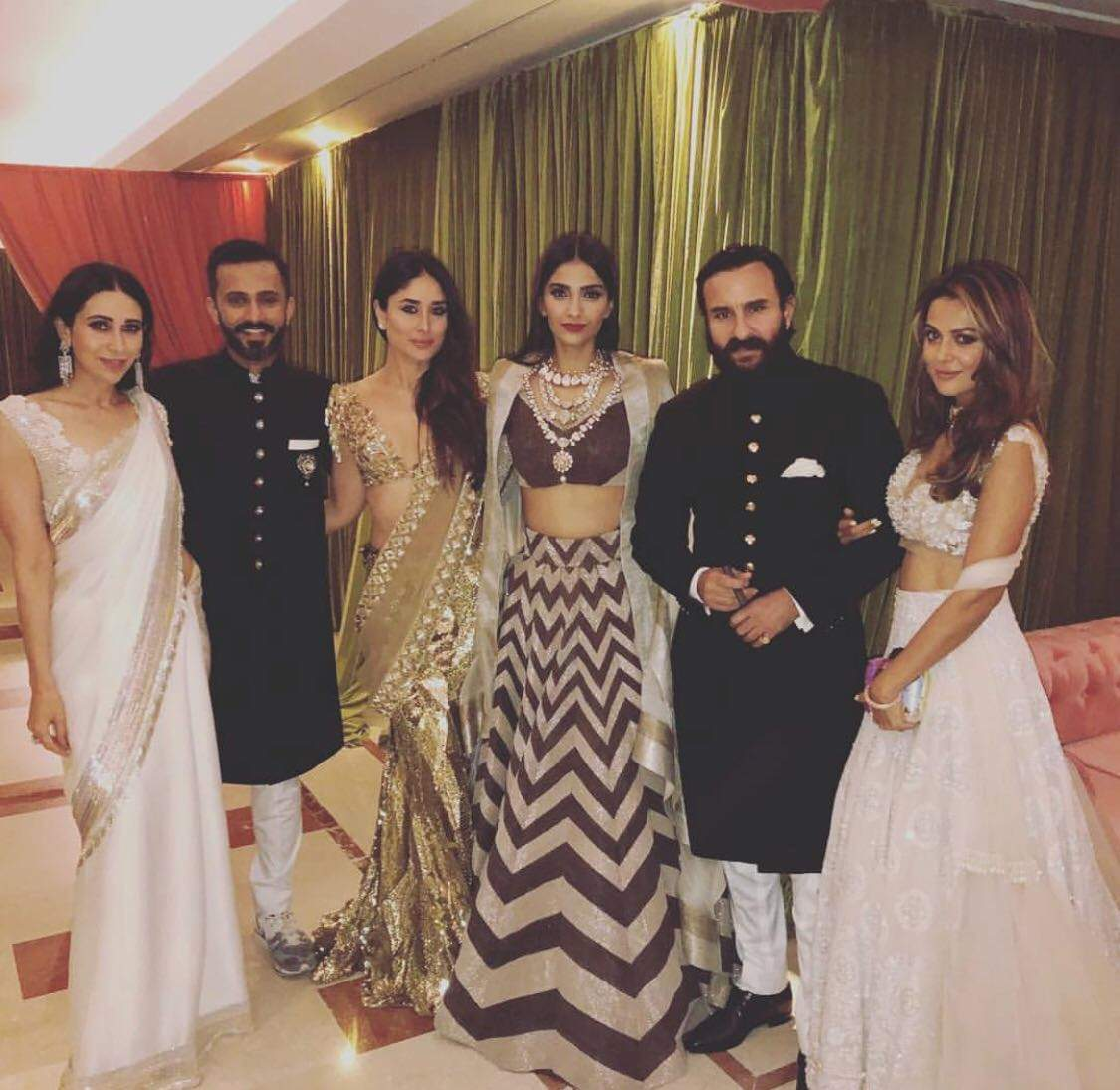 anand and sonam kapoor photo with guests