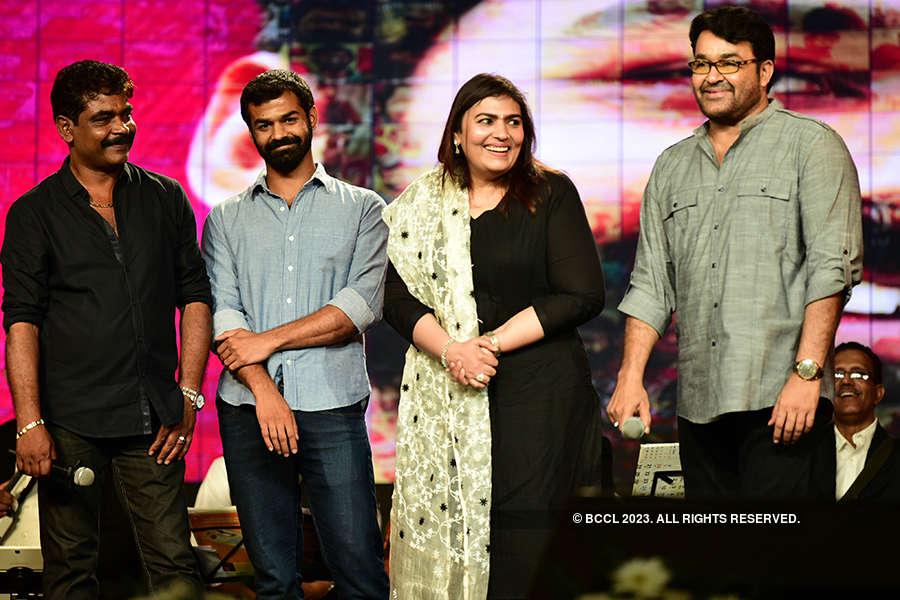 Aadhi celebrates 100 days