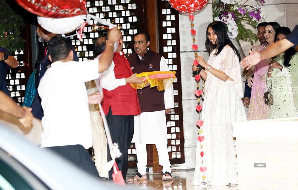 Inside pictures from Isha Ambani & Anand Piramal's engagement