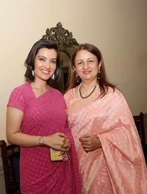 Arpita,Suchandra Bhutoria  (2)