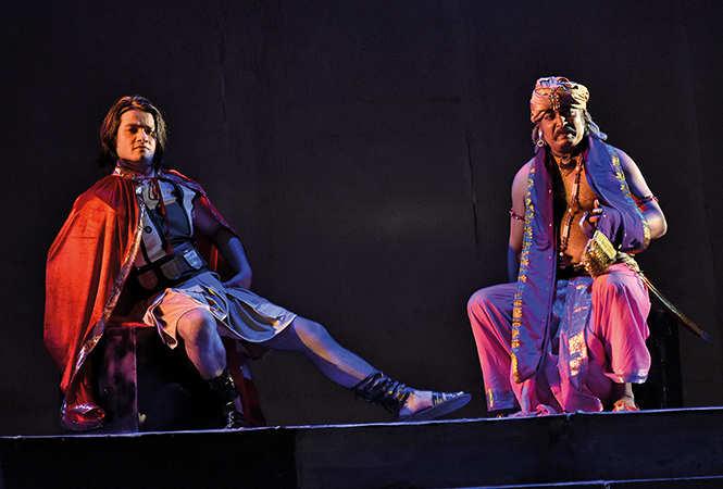 Ali Khan (L) and Arpit Mishra in a scene from the play 'Porus' (BCCL/ Vishnu Jaiswal)
