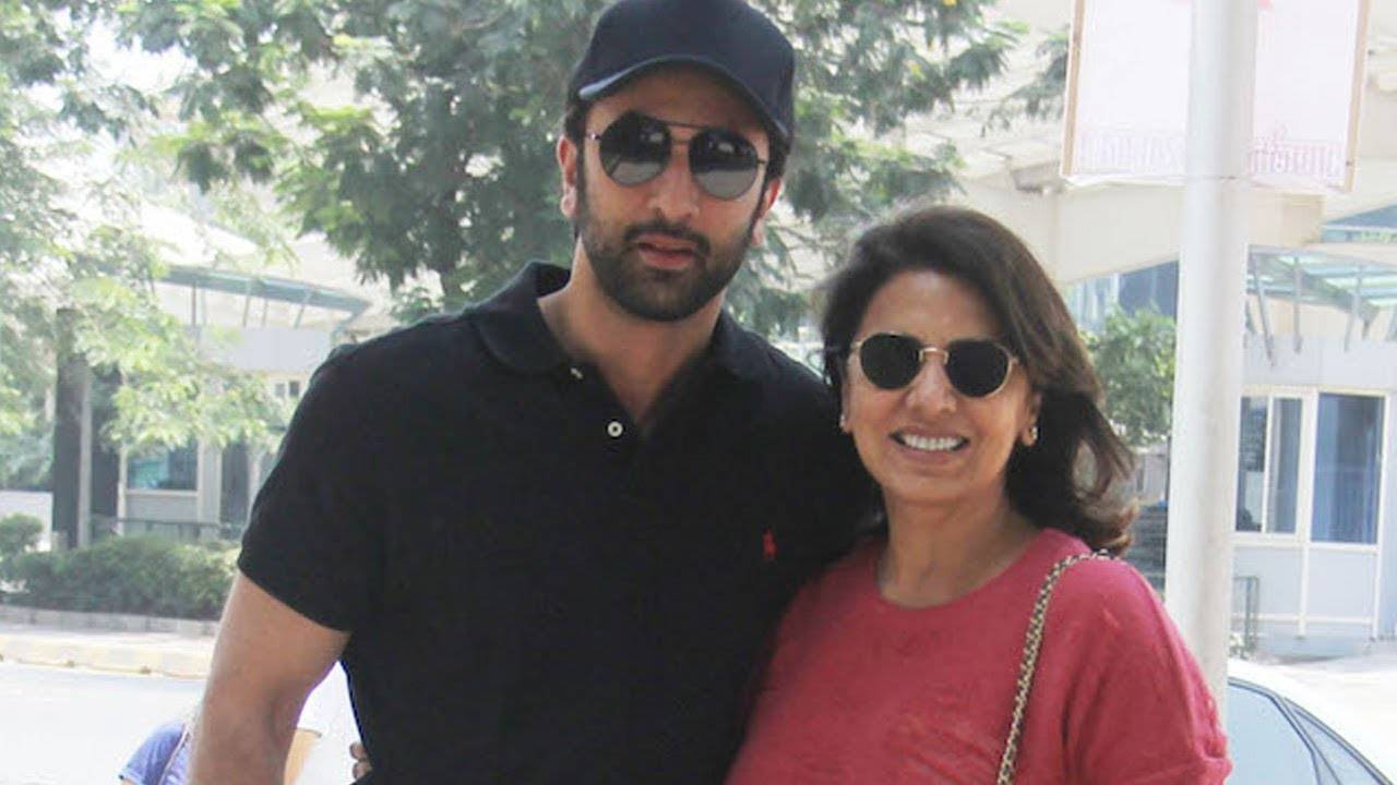 Ranbir Kapoor steps out for a lunch date with mom Neetu Kapoor on Mother's Day