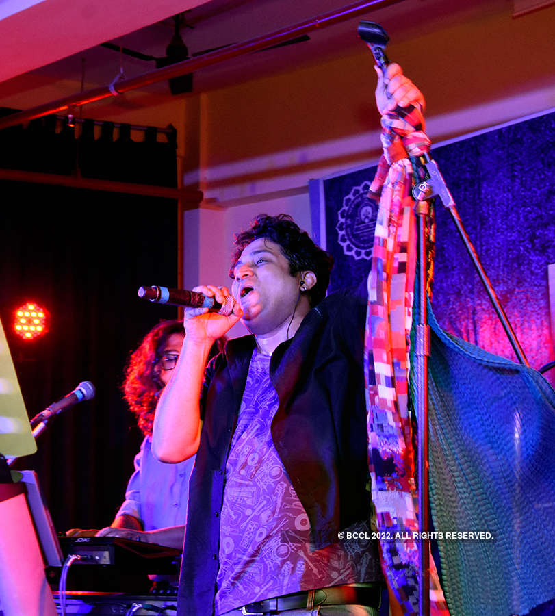 Shayok Live performs in the city