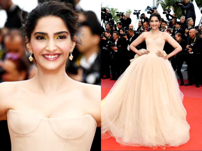 Sonam Kapoor's hot gown at Cannes 2018 - Sonam Kapoor looks like a Disney princess at Cannes 2018  | The Times of India
