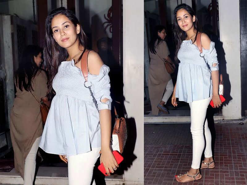 Pics: Mira Rajput looks cute as she flaunts her baby bump
