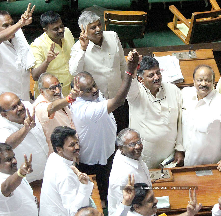 Congress, JD(S) celebrate as BSY resigns in Karnataka
