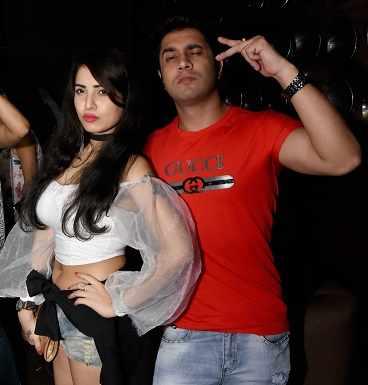 Anushka & Mobashir (3)
